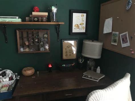 desk im     dark academiaany tips