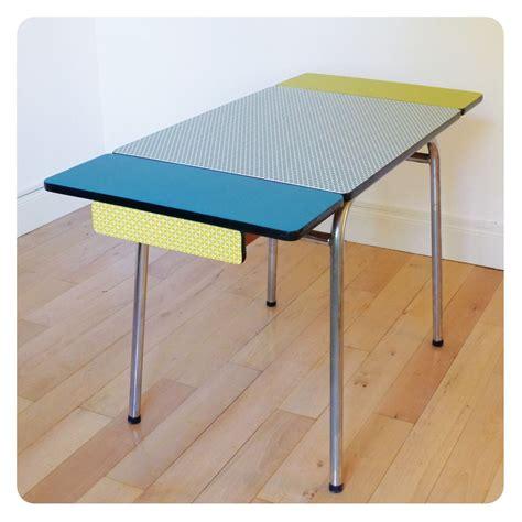 Table Formica, Mobilier Vintage Revisité Tout En Couleur
