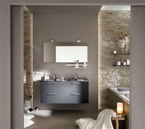 dosseret cuisine ambiance salle de bain gris et blanc