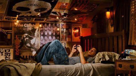 16 Bedrooms From Classic Movies That Define Teenagehood