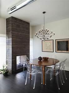 Chaises transparentes pour une salle a manger contemporaine for Deco cuisine avec chaises salle À manger transparentes