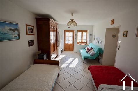 13015 rooms to go bed character house for auxy burgundy 13015 france4u eu