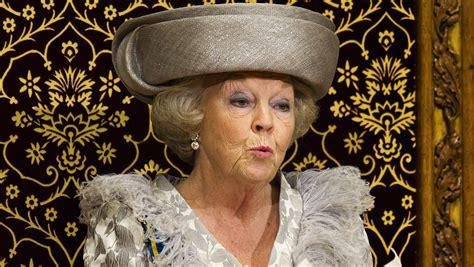 Appartamenti di beatrix è un posto meraviglioso per stare! Dutch Queen Beatrix announces she will abdicate