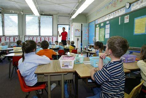 list    public schools  hawaii students