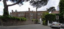 Richmond Palace | File:Richmond Palace remains 7423.jpg ...