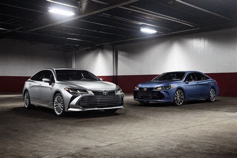 Brand New 2019 Toyota Avalon Debuts
