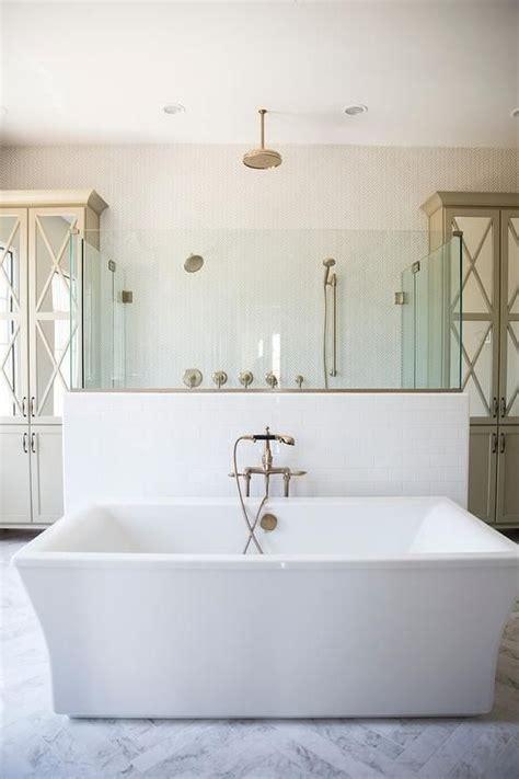walk  bathtub ideas  pinterest walk  tubs
