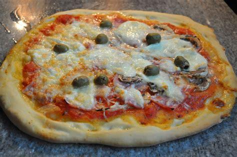 cuisine du p駻ou pates a pizza maison 28 images recette de p 226 te 224 pizza thermomix dimanchemyrtille recette p 226 te 224 pizza maison pizza hut 750g
