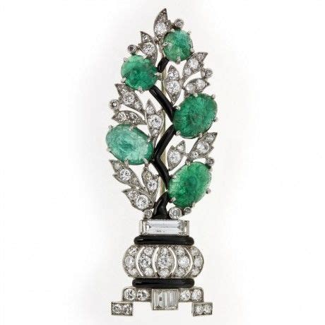 french art deco diamond  carved emerald brooch