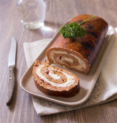 recette de cuisine froide gâteau roulé à la tomate et fromage aux fines herbes les meilleures recettes de cuisine d 39 ôdélices