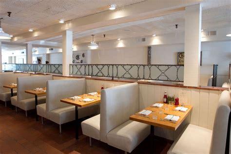 decor banquette de cuisine classique blanche 43