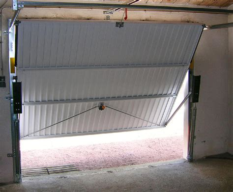 portes de garage basculantes b plast menuiseries pvc alu