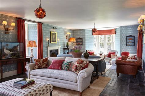 English Country Living Room :  An English Country Getaway For London Gentry