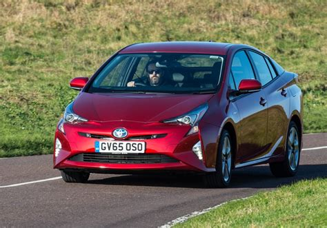 Electric Hybrid Cars 2017 by Top 10 Electric And Hybrid Cars Of 2017 E T Magazine