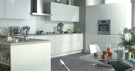 flash cuisine des meubles de cuisine sans poignée nouvelle tendance