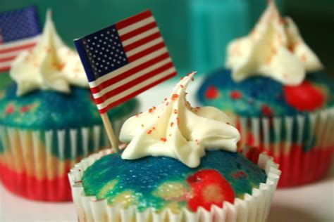 fourth of july cupcake ideas cupcake decorating cupcakes