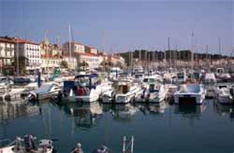 meteo marine port vendres 28 images paysages catalans le cap et phare b 233 ar de port