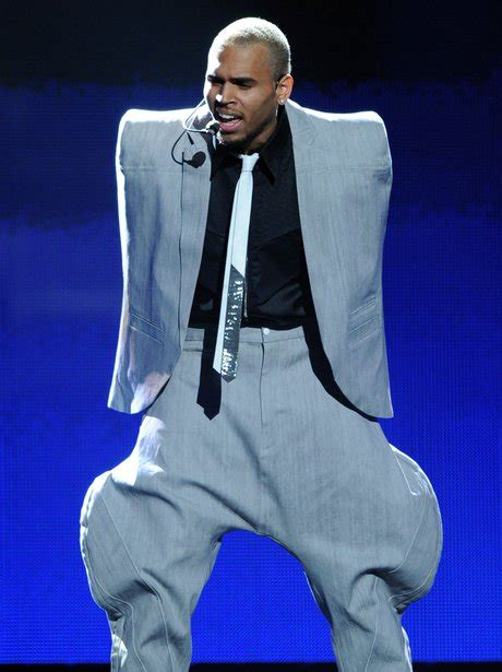chris browns suit