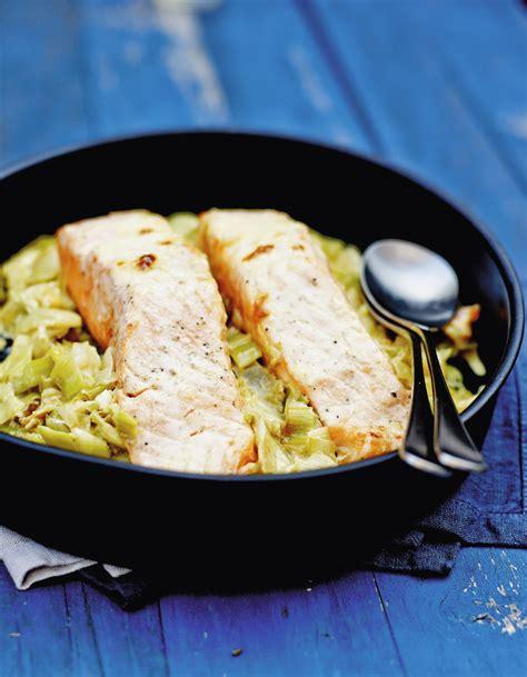 cuisine poireaux saumon sur un lit de poireaux pour 6 personnes recettes