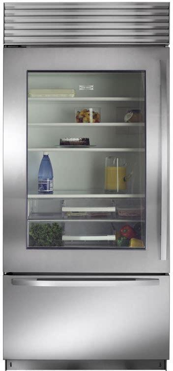 biug   built  bottom freezer
