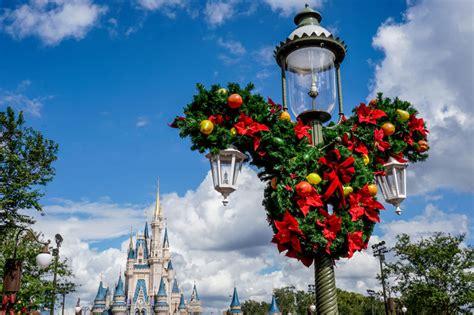 magic kingdom christmas decorations  photo stroll