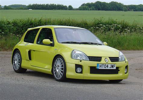 renault clio v6 renault clio v6 2001 2005 photos parkers