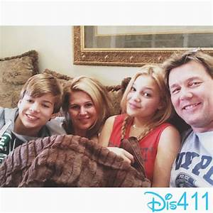 Photo: Olivia Holt With Her Family On Christmas Morning ...