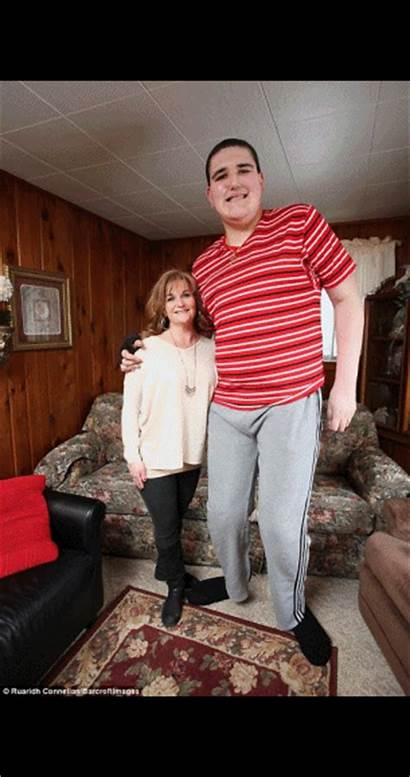 Tallest Teenager Height Giant Record Breaking Reaches
