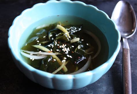 korean chilled seaweed  cucumber soup recipe ohyi