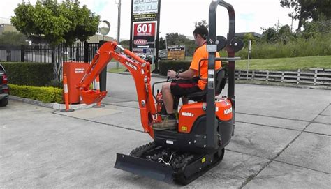 kubota   mini excavator  tonne price specs features