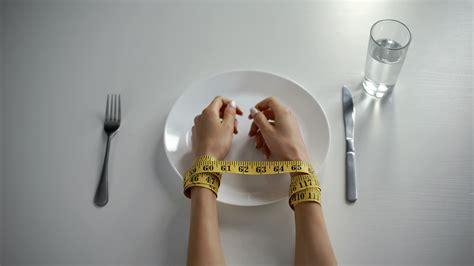 anorexie  rat auf draht