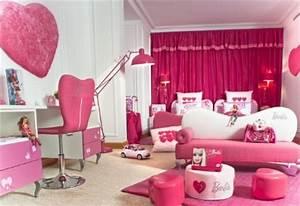 barbie une poupee qui suscite des reservations With tapis design avec canapé lit style anglais