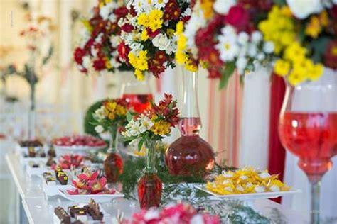 Decoração de Casamento Amarelo: Branco Rosa Azul Preto