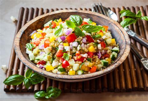 bunter quinoa couscous salat gesundleben