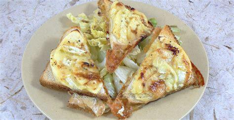 camembert normand sur toast une cuisine pour voozenoo