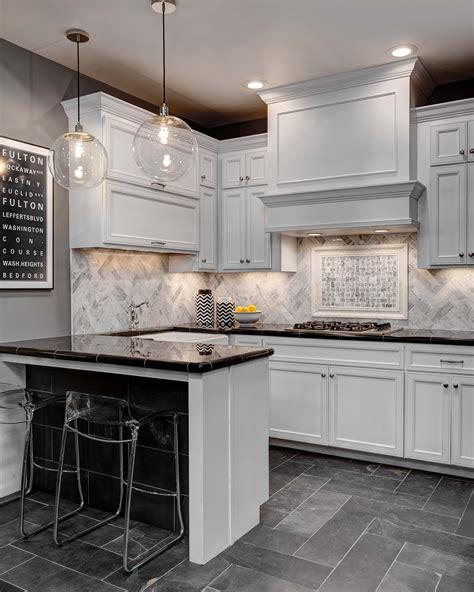 Marble Tile Kitchen Backsplash by Bring Distinctive Style To Your Kitchen Backsplash Design
