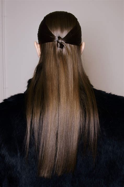 7 Simple and Easy Hairstyles for Your Daily Look Pretty