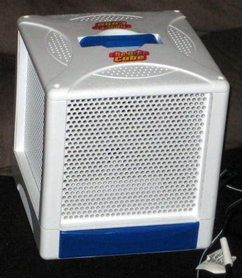 light bright cube sold lite brite cube hasbro with pegs 2001 model 06511