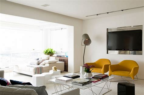 Posh Apartment In Brazil Captivates With Smart Accents Of Living Rooms With Gray Walls Mr Big Live From The Room Theatre Portland Oregon Wallpaper Accent Wall Color Schemes For Brown Furniture Sears Canada Contemporary Glass Side Tables Simple Elegant