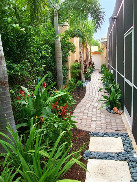 decorating courtyard garden  simple landscape