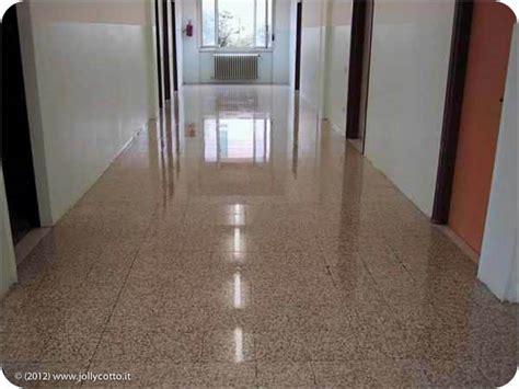 lucidare pavimento graniglia pulizia recupero e trattamento pavimenti in graniglia e