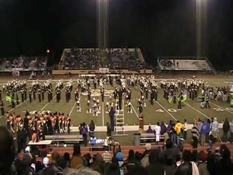 "Hattiesburg High School Band performs ""Thriller"" with Oak ..."