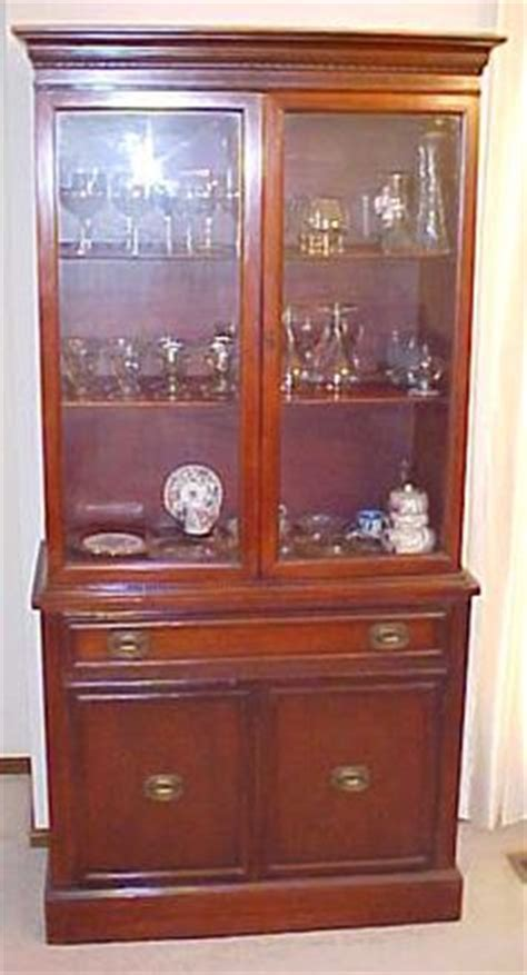 painted duncan phyfe china cabinet duncan phyfe pedestal leg dining table