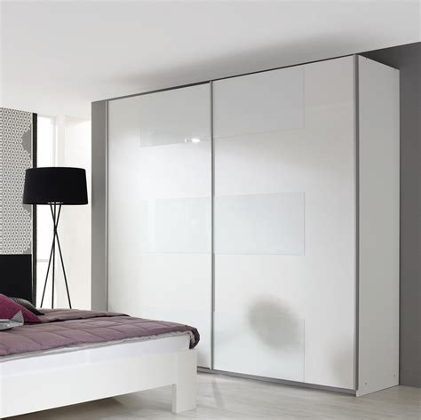 chambre particuli鑽e installation thermique armoires blanches portes coulissantes placard