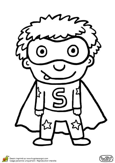 jeux de coiffure et de cuisine coloriage d un petit garçon déguisé en héros pour le