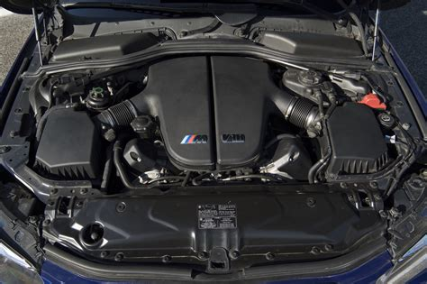 Bmw V10 Engine by 2005 Bmw E60 M5 Exhaust Notes Canadian Auto Review