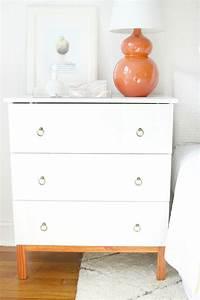Ikea Tarva Kommode : diy ikea tarva hack nightstands eine schicke wei e ikea kommode gepimpt mit neuen griffen f r ~ Orissabook.com Haus und Dekorationen
