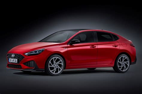 Hyundai i30 range gets a new look, more kit for 2020   Parkers
