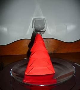 Serviette De Noel En Papier : pliage de serviettes de table en papier pliage de papier origami deocration de table plier ~ Teatrodelosmanantiales.com Idées de Décoration