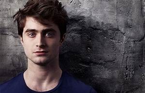 The subtle difference between Daniel Radcliffe and Elijah Wood : gifs  Daniel